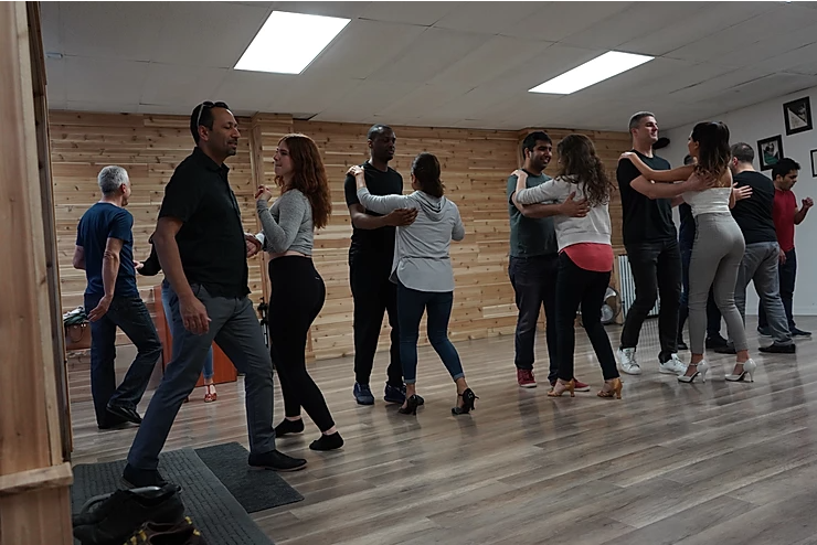 4 Life Benefits of Engaging in Regular Salsa Practice – What to Know